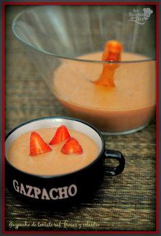 Gazpacho de tomate raf, fresas y cilantro