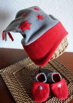 b4319eb9cfd6 ensemble bonnet et chaussons en polaire gris et rouge pour enfant, fait  main, fabrication artisanale