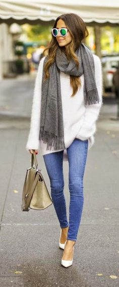Skinny Jeans + Oversized Sweater. This outfit needs flats not heels.