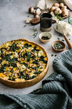 Kürbis-Haselnuss-Shortbread-Tarte (Carnets of a Pariser connasse) , Easy Healthy Recipes, Vegetarian Recipes, Easy Meals, Spinach Tart, Food Porn, Food Inspiration, Love Food, Food Photography, Food And Drink