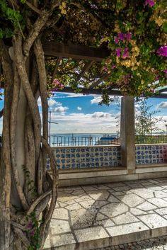 #Lisbonne #portugal #voyage #citytrip Destinations, City Break, Most Visited, Garden Bridge, Portuguese, Places To Travel, Photos, Around The Worlds, Europe