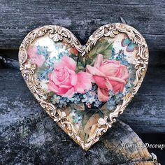 """Anna Monka on Instagram: """"Serce na walentynki ❤️#decoration #decoupage #homedecor #walentynki #valentines #serce #heart #kwiaty#flowers #love #hannasdecoupage #pink"""" Valentines Day Pictures, Decoupage, Decorative Plates, Anna, Flowers, Inspiration, Instagram, Hearts, Jewelry"""