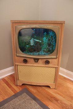 DIY Retro aquarium TV-Little Bit of Life with HK