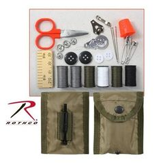 sewing kit military style olive drab pouch with content rothco 1121 Military Gear, Military Fashion, Military Style, Packers, Bushcraft Kit, Army Gears, Emergency Preparation, Emergency Kits, Emergency Preparedness