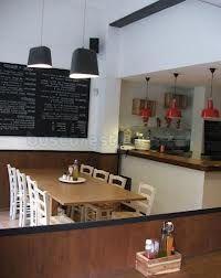 Bacoa hamburgueseria, justo detrás del Mercat de Santa Catarina. Lugar pequeño, pero súper recomendado por sus riquísimas hamburguesas caseras hechas con horno de leña...
