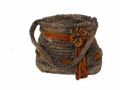 """Armida"" Flower Bag, free pattern by Chiara Chiavacci.  Crochet, Ravelry"