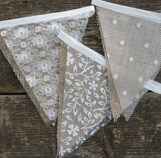 Lace & Hessian Bunting Wedding Shabby Chic Spots or Floral Vintage Rustic. Wedding Bunting Inspiration For Extra Special Touch Bodas Shabby Chic, Vintage Shabby Chic, Shabby Chic Homes, Shabby Chic Decor, Rustic Decor, Rustic Theme, Rustic Signs, Rustic Chic, Rustic Wood