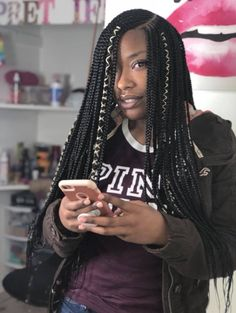 Lemonade braids hairstyles are known by many other names together. Take these cornrow lemonade braid hairstyles from African cornrow styles. Box Braids Hairstyles, Lemonade Braids Hairstyles, Braids Wig, My Hairstyle, African Hairstyles, Girl Hairstyles, Hairstyles 2018, Scalp Braids With Weave, Amazing Hairstyles