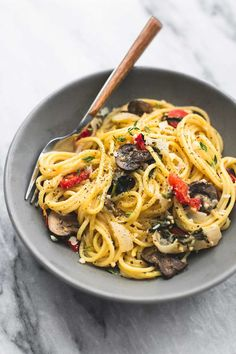 One Pot Creamy Tuscan Garlic Spaghetti   lecremedelacrumb.com