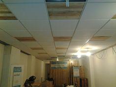 nieuw interieur maken voor een winkel lekker creatief houtenlatten in het plafond ipv systeemplaten geeft een unieke uitstraling