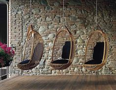 Eureka hanging chair by Giovanni Travasa