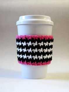 Inspiration - Crochet Houndstooth Coffee Cup Cozy Pink Black White