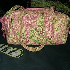 Vera Bradley purse***FINAL*** CUTE ???? LINK AND WHITE FLORAL Vera Bradley Bags Shoulder Bags