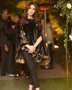 New Pakistani Fashion & Wedding Dresses Pakistani Party Wear Dresses, Shadi Dresses, Simple Pakistani Dresses, Pakistani Wedding Outfits, Pakistani Dress Design, Indian Dresses, Wedding Dresses, Indian Designer Outfits, Designer Dresses