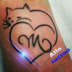 #gatti #gatto #cat #TATTOOLIFE #BESTPIC #BESTOFTHEDAY #SOLIERA #carpi #mantova #inkedgirls #ALLETATTOO #GUINNESS #orologio #tempo #cronometro #freccia #happyalletattoo #tattoo #ink #tatuaggio #alletattoo #piercing #record #life #rosso #NERO #natale @alletattoo