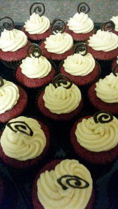 Red velvet cuppies Red Velvet, Sweet Tooth, Desserts, Food, Tailgate Desserts, Deserts, Eten, Postres, Dessert