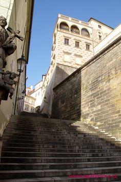 Ступени Прага Louvre, Building, Travel, Viajes, Buildings, Destinations, Traveling, Trips, Construction