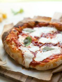 Classic Margherita Mozzarella Pizza