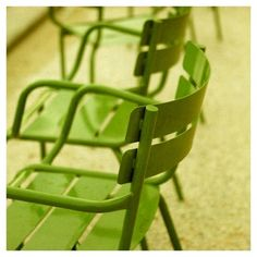 lime green chairs.... I need some for out in my garden