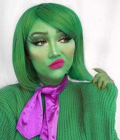 Disgust from inside out 💚 who else loves this film? Cute Halloween Makeup, Cute Halloween Costumes, Halloween Looks, Halloween Cosplay, Skeleton Costumes, Halloween Stuff, Disney Costume Makeup, Disney Makeup, Disney Inspired Makeup