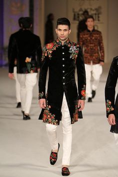 10 Super Stylish Outfits Ideas for Brother of Groom is part of Indian men fashion - Latest trends in Beauty, Fashion, Indian outfit ideas, Wedding style on your mind We have something for you! We bring to you hand picked collections for inspiration Mens Indian Wear, Mens Ethnic Wear, Indian Groom Wear, Indian Men Fashion, Mens Fashion, Bridal Fashion, London Fashion, Style Fashion, Rohit Bal