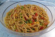 Spaghetti-Curry-Salat Spaghetti curry salad, a good recipe from the party category. Salad Menu, Salad Dishes, Pork Recipes, Pasta Recipes, Salad Recipes, Drink Recipes, Crab Stuffed Avocado, Cottage Cheese Salad, Seafood Salad