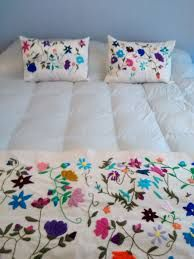 Resultado de imagen para bordado patrmexicano patrones pie de cama Pillow Set, Comforters, Bed Pillows, Embroidery, Blanket, Crochet, Home Decor, Google, Ideas
