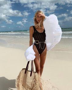 Fendi swimsuit, SoSUE Official shirt and Black and Brown London belt. Cool Instagram, Spring Summer Fashion, Autumn Fashion, Summer Vacation Outfits, Maui Vacation, Leonie Hanne, Madrid, Estilo Fashion, Bikini
