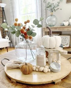 Beautiful and easy ways to update every room in your home with fall decor. Plus my favorite finds in fall decor for Makeup Makeup Dupes Palette Removal Style Art Care Thanksgiving Decorations Outdoor, Decoration Christmas, Decoration Table, Thanksgiving Table, Wedding Decoration, Holiday Decor, Fall Kitchen Decor, Fall Home Decor, Autumn Decor Living Room