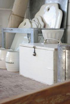Ironstone/ceramics in white