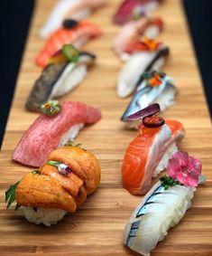 Sushi Co, Sushi Donuts, Sashimi Sushi, My Sushi, Sushi Buffet, Japanese Food Art, Sushi Recipes, Exotic Food, Vegan Foods