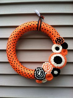 Halloween Wreath Fall Wreath Black    #home #decor   #fashion  #halloween www.loveitsomuch.com