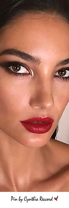 Statement Eyes and Lips | Lily Aldridge pulled off this epic smoky eye and red lip combination | cynthia reccord