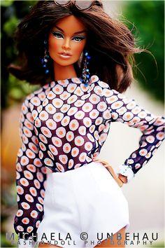 Vanessa Perrin wears Shantommo
