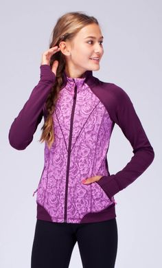 stay warm & cool with brushed fabric and Mesh ventilation. Athletic Outfits, Sport Outfits, Kids Outfits, Cute Outfits, Athletic Clothes, Fashion Wear, Fashion Outfits, Fasion, High Jump