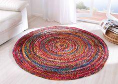 """miaVILLA_Entdecken Sie diesen einmalig gemusterten Teppich """"Harlekin"""" und verleihem Sie dem Raum durch diesen Freundlichkeit und Offenheit. Die individuelle Flechtoptik gibt dem Teppich """"Harlekin"""" seine unverwechselbare Note. Er ist in jedem Fall ein wahrer Blickfang. Material: 75% Baumwolle und 25% Polyester. Maße: ca. 150 cm."""