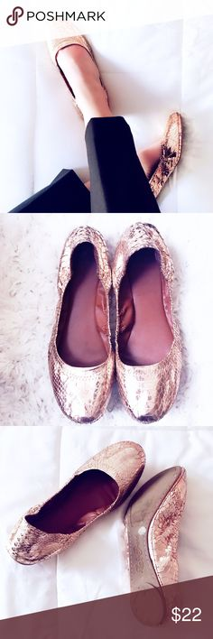 Lucky Brand gold sequin flats Hello holidays!🥂these flats are sure to make a hit at your next holiday event! Or just pack them away in your back from when you need to give your feet a break from your heels! Beautiful gold color with criss cross stitching on back of shoes. By Lucky Brand✔️size 8.5 color: gold✔️my pre owned❤️flats! Kept very nicely ☺️mild bottom sole wear. Offers welcome no trades thank you Lucky Brand Shoes Flats & Loafers