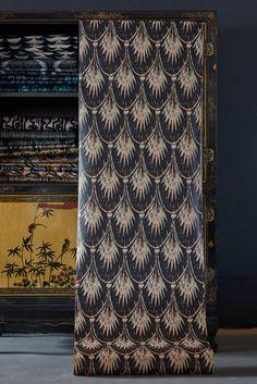 images Pearl Wallpaper, Wallpaper Roll, Pearl Lowe, Gold Bedroom, Bedroom Wall, Bedroom Styles, Blue Tones, Designer Wallpaper, Textile Design