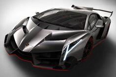 La Lamborghini Veneno est la voiture la plus chère du monde. Pour la conduire, il vous faudra débourser 4.6 millions de dollars.