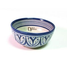 Lovely bowl made with clay and painted with blue design. They are generally used to eat soup or even use them to serve appetizers to your favorite guests! Pottery Bowls, Ceramic Bowls, Ceramic Pottery, Moroccan Kitchen, Pottery Gifts, Ceramic Design, Blue Design, Artisanal, Craft