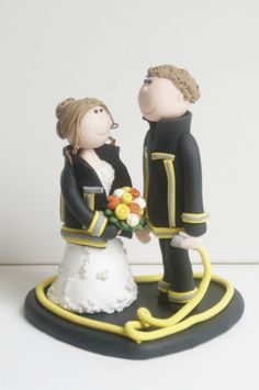 Zu Eurer Hochzeit wünschen ich Euch alles Glück der Welt. Mögen alle Eure Träume in Erfüllung gehen ♥  #Hochzeit #Hochzeitstortenfigur #Hochzeitstorte #Brautpaar #Tortenfigur #Feuerwehr #Feuerwehrbrautpaar