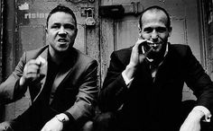 Stephen Graham and Jason Statham on the set of Snatch. Guy Ritchie, Jason Statham, Great Films, Good Movies, Iconic Movies, Snatched Movie, Stephen Graham, Don Corleone, Moving Pictures