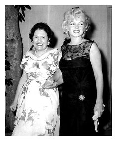 Louella Parsons & Marilyn Monroe ………………..For more classic 60's and 70's pics please visit and like my Facebook Page at https://www.facebook.com/pages/Roberts-World/143408802354196