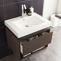 The Hudson Reed Recess vanity unit will add a touch of luxury to any modern bathroom