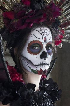 Sugar skull makeup - Día de los muertos - Day of the Dead is a Mexican holiday observed throughout Mexico. The holiday focuses on gatherings of family and friends to pray for and remember friends and family members who have died. It is particularly celebrated in Mexico where the day is a bank holiday. The celebration takes place on October 31, November 1 and November 2, in connection with the triduum of Allhallowtide: All Hallows' Eve, Hallowmas, and All Souls' Day. #Halloween