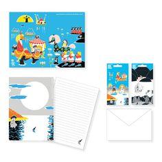 Kirjepaperisetti Nyyti Putinki Ihastuttava Muumi kirjepaperisetti 25,5 x 19 cm, sisältää 2 tarra-arkkia, 20 kuvitettua A5 kirjepaperia ja 10 valkoista C6 kirjekuorta. Pakattu pahvikansioon. Kirjoita kirjeesi tyylillä näillä kauniilla Muumi tarvikkeilla. 8,94 e norm.14,90 e