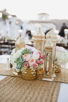 beautiful golf moroccan theme on the starlight terrace at omni rancho las palmas resort. amazing mountain views! #palmspringswedding #destinationwedding