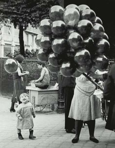 Le Premier Ballon au Parc, Montsouris, Paris, 1931-1934. Photographed by (George) Brassaï.