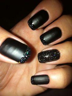 39 Incredible Black Nail Polish Every Women Will Love Get Nails, Love Nails, How To Do Nails, Pretty Nails, Hair And Nails, Glitter Toes, Glitter Nail Art, Black Glitter, Matte Black