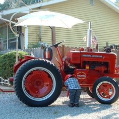 Do you think SHOP MULE deserves to win the Steiner Tractor Parts Photo Contest?  Have your say and vote today for your favorite antique tractor photos!